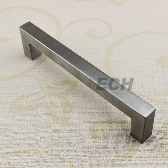 Ss Zinc Alloy Silver Classic Furniture Handl (FHE195)